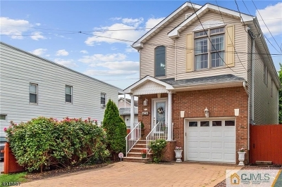 Perth Amboy City Single Family Home For Sale: 375 Oak St