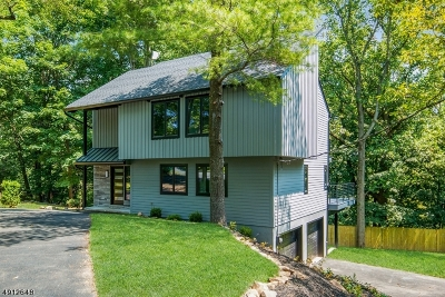 Livingston Twp. Single Family Home For Sale: 58 Rockledge Dr