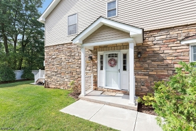Clark Twp. Condo/Townhouse For Sale: 41 Harvey Ct