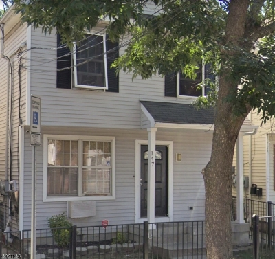 Jersey City Multi Family Home For Sale: 147 Dwight St