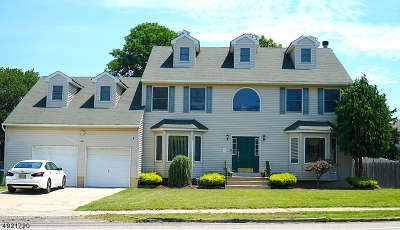Edison Twp. Single Family Home For Sale: 44 Main St