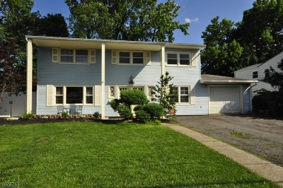 Woodbridge Twp. Single Family Home For Sale: 46 Timberlane Dr