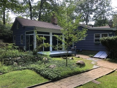 Denville Twp. Single Family Home For Sale: 4 Wildwood Terrace