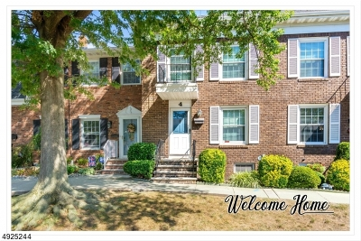 Woodbridge Twp. Condo/Townhouse For Sale: 4 Bell Ave