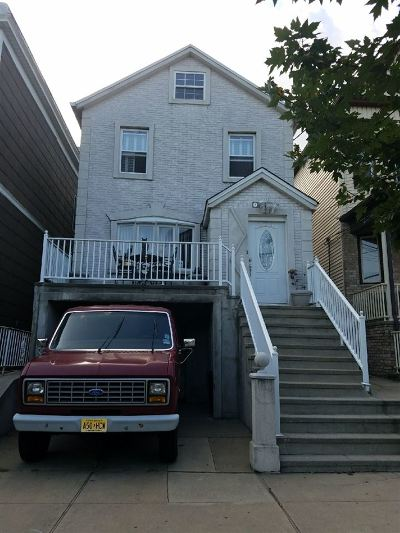 Bayonne Single Family Home For Sale: 353 Kennedy Blvd