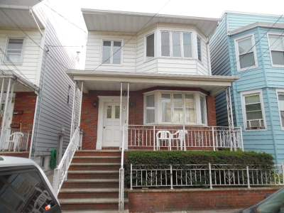 Bayonne Single Family Home For Sale: 36 East 15th St