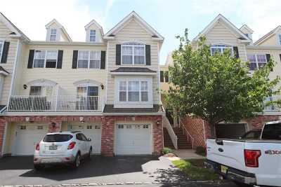 Bayonne Condo/Townhouse For Sale: 40 Marina Dr #40