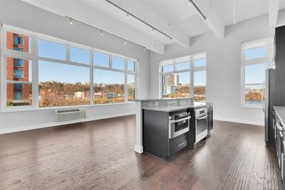 Hoboken NJ Condo/Townhouse For Sale: $1,275,000