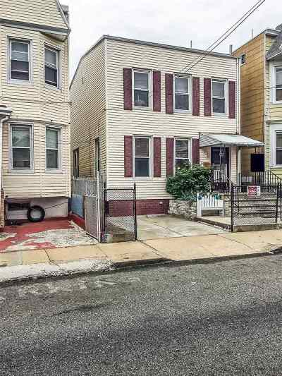 Jersey City Single Family Home For Sale: 204 Lembeck Ave