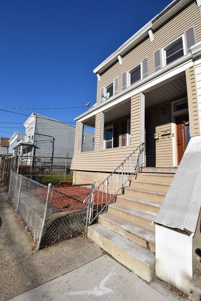 Bayonne Multi Family Home For Sale: 25 West 19th St