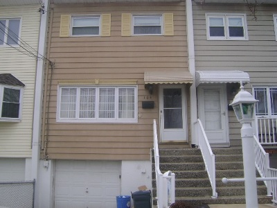 Bayonne Single Family Home For Sale: 104 East 28th St