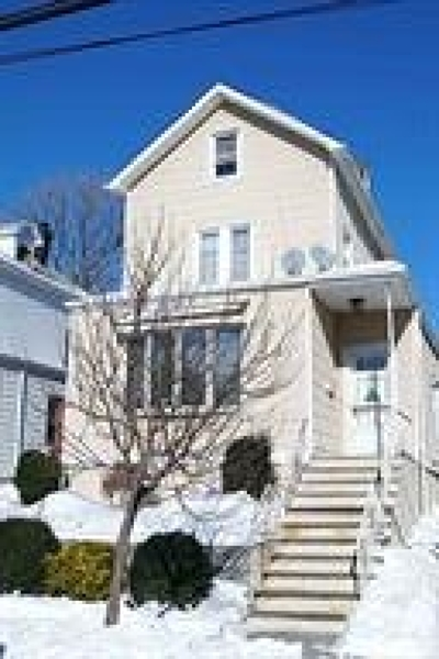 Bayonne Single Family Home For Sale: 39 East 44th St
