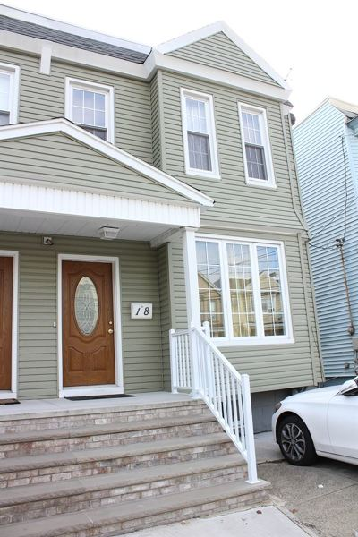 Bayonne Single Family Home For Sale: 18 West 29th St