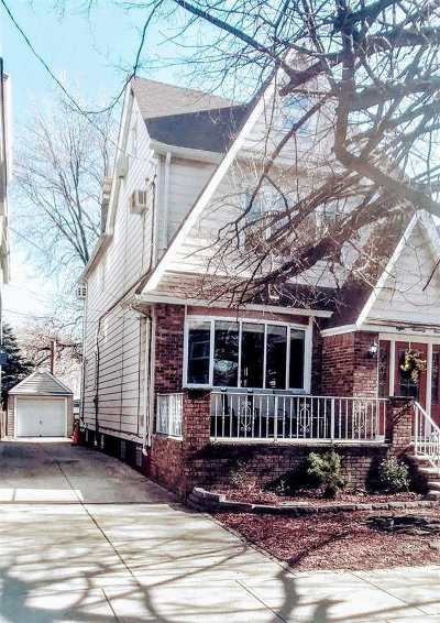 Bayonne Single Family Home For Sale: 874 Avenue C