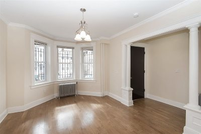 Jersey City Single Family Home For Sale: 218 Bidwell Ave