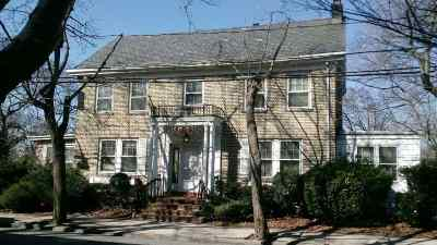 Weehawken Single Family Home For Sale: 2 Kingswood Rd