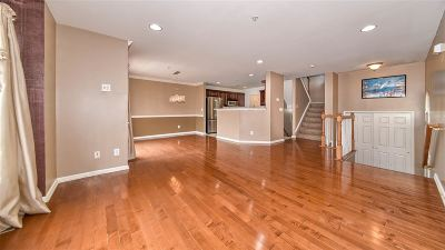 Bayonne Condo/Townhouse For Sale: 17 Maritime Way #17