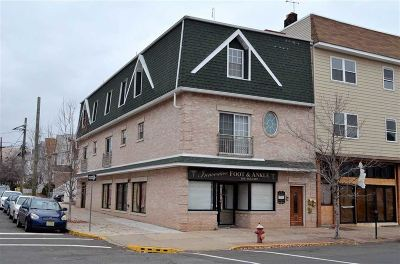 Bayonne Condo/Townhouse For Sale: 877 Broadway #1
