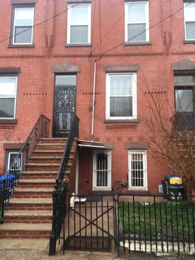 Jersey City Single Family Home For Sale: 32 Astor Pl