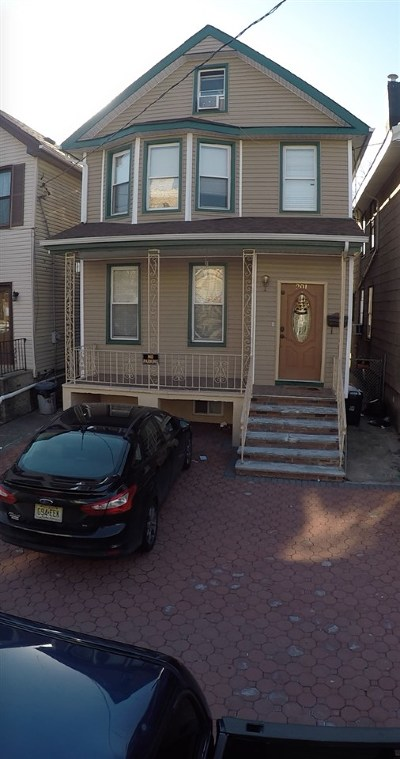 Jersey City Single Family Home For Sale: 201 Pearsall Ave