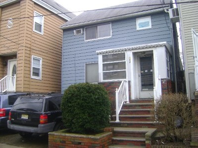Bayonne Single Family Home For Sale: 138 West 54th St