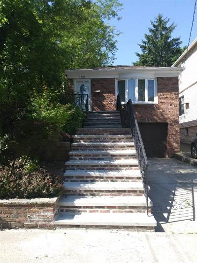 Bayonne Single Family Home For Sale: 122 West 31st St