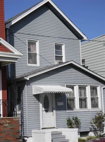 Jersey City Single Family Home For Sale: 145 Greenville Ave