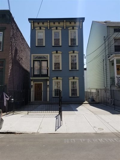 Jersey City Single Family Home For Sale: 345 9th St