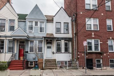 Jersey City Single Family Home For Sale: 62 Van Reypen St