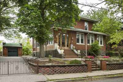 Weehawken Single Family Home For Sale: 59 Sterling Ave