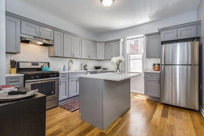 Bayonne Single Family Home For Sale: 44 West 26th St