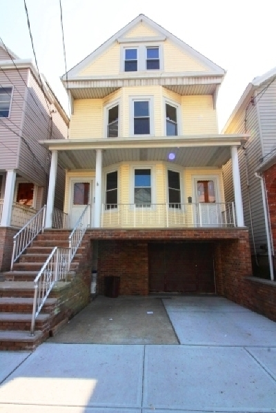 Bayonne Multi Family Home For Sale: 20 West 17th St