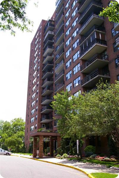 Jersey City NJ Condo/Townhouse For Sale: $380,000