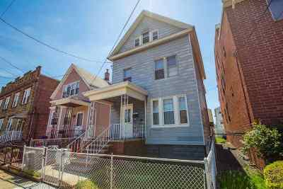 Bayonne Single Family Home For Sale: 38 West 13th St