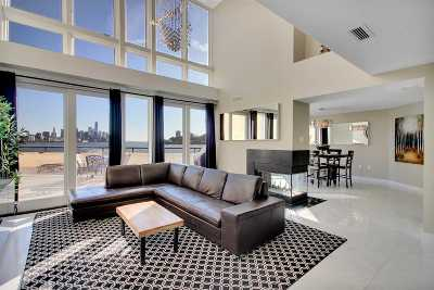 Weehawken Condo/Townhouse For Sale: 600 Harbor Blvd #672