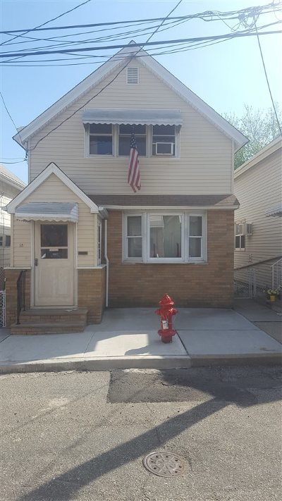 Bayonne Single Family Home For Sale: 18 Sisson Ct