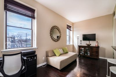 Jersey City NJ Condo/Townhouse For Sale: $474,000