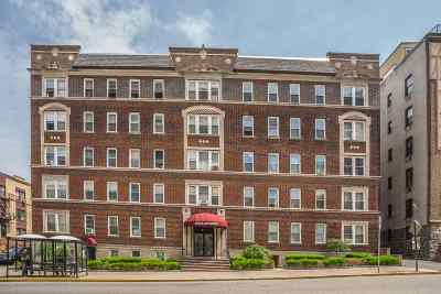 West New York Condo/Townhouse For Sale: 6045 Blvd East #A6