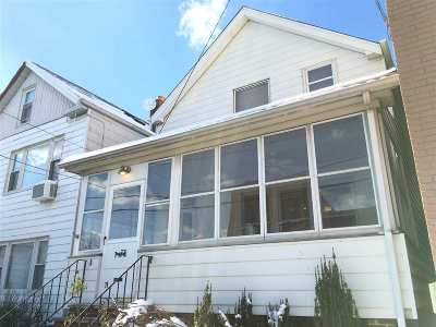 Jersey City NJ Single Family Home For Sale: $525,000