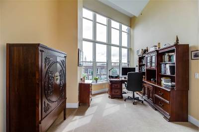 Hoboken Condo/Townhouse For Sale: 1125 Maxwell Lane #623