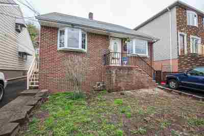 North Bergen Single Family Home For Sale: 8510 Newkirk Ave