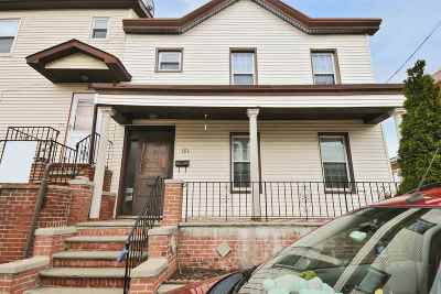 Jersey City Single Family Home For Sale: 13 Front St #RIGHT Si