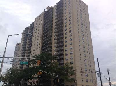 West New York Condo/Townhouse For Sale: 6600 Blvd East #21K