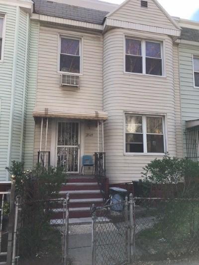 Jersey City Single Family Home For Sale: 2549 John F Kennedy Blvd