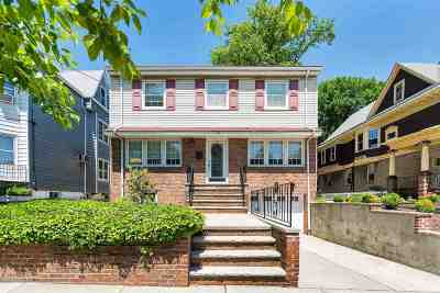 Bayonne Single Family Home For Sale: 93 West 30th St