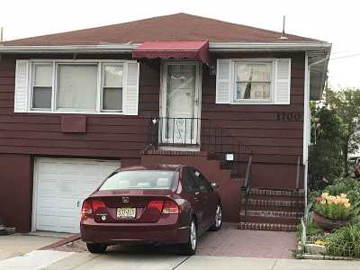 North Bergen Single Family Home For Sale: 1700 78th St