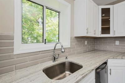 Union City Condo/Townhouse For Sale: 615 16th St #2