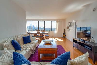 Union City Condo/Townhouse For Sale: 500 Central Ave #1403