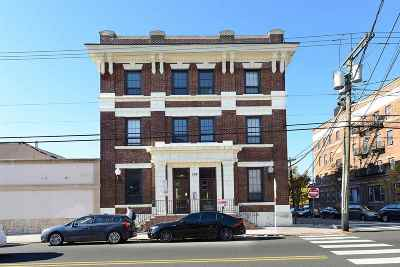 Jersey City Condo/Townhouse For Sale: 325 Palisade Ave #2A