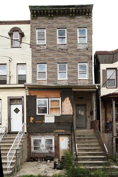 Jersey City NJ Multi Family Home For Sale: $249,000